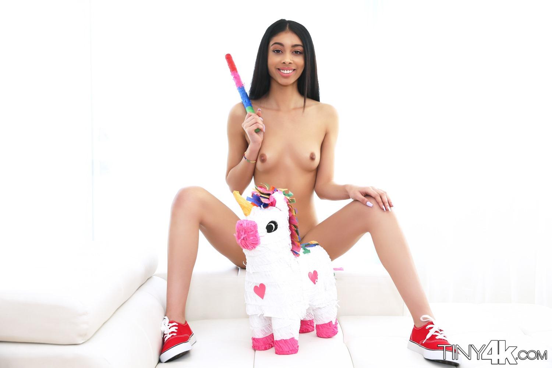 maharashtra little girls naked images