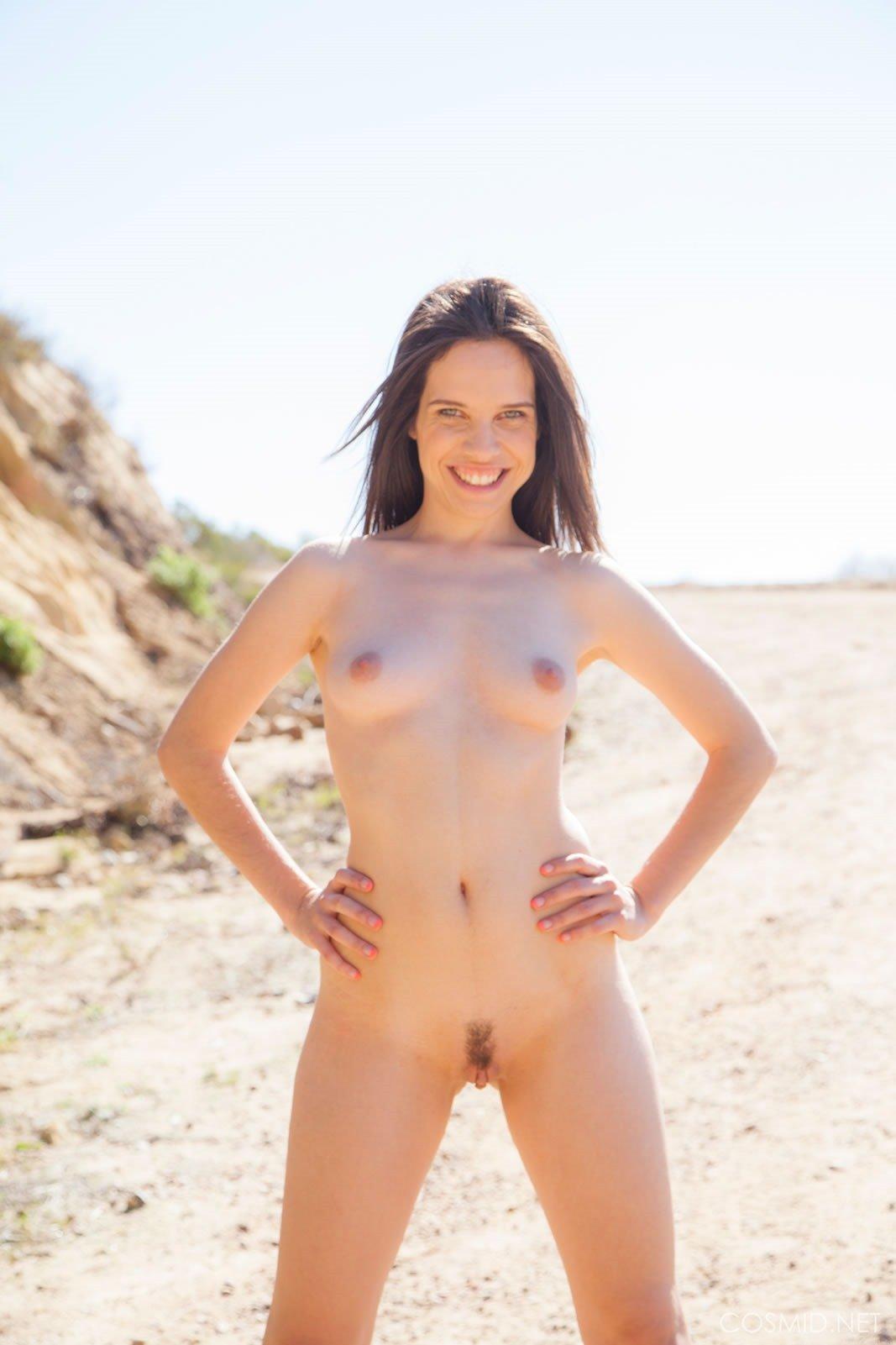 Fey Martin Hiking Nudes - Fine Hotties - Hot Naked Girls ...